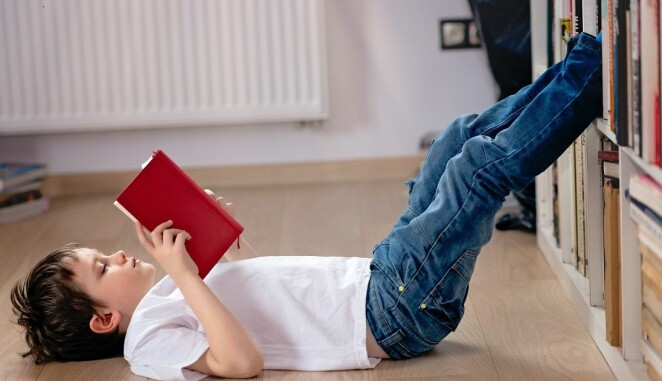 Since reading is the very foundation for acquiring other skills, it should be prioritized for the first few years of school. (Photo: Shutterstock, NTB Scanpix)