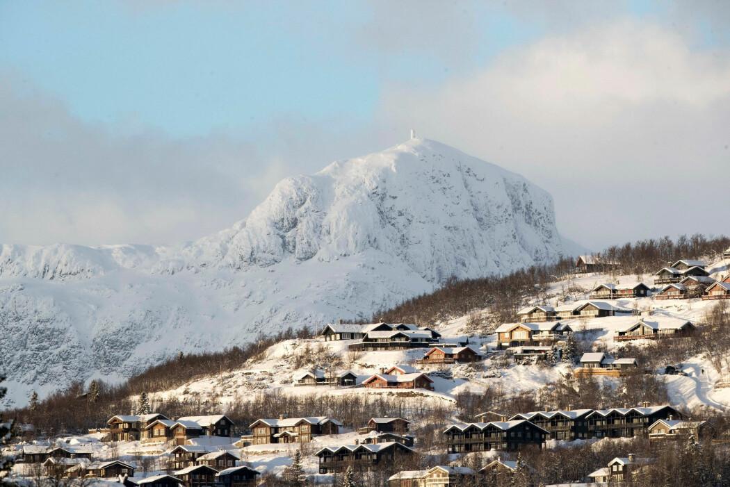 Hvert år bygges det tusenvis av nye hytter i norske fjell. Her er Beitostølen i Østre Slidre med Bitihorn i bakgrunnen. (Illustrasjonsfoto: Terje Pedersen / NTB scanpix)