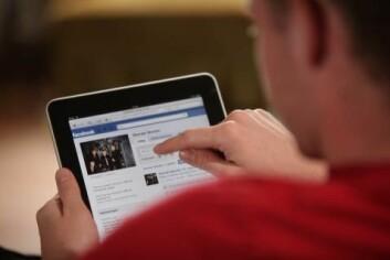 Facebook-forskningen viser at folk som får flere positive meldinger i nyhetsstrømmen, selv poster mer positive budskap. Forskningen ble gjort uten å informere brukerne på forhånd. (Illustrasjonsfoto: colourbox.no)