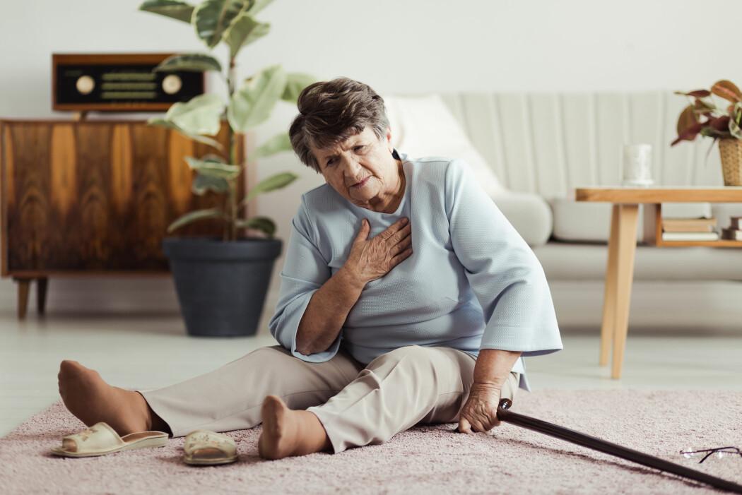 Årsaken til at ensomme hjertepasienter dør tidligere, er imidlertid fortsatt ukjent. Det er altså ikke nødvendigvis følelsen av ensomhet i seg selv som fører til tidligere død. Kanskje spiller bakenforliggende faktorer slik som usunn livsstil inn på både ensomheten og hjerteproblemene. (Foto: Photographee.eu / Shutterstock / NTB scanpix)