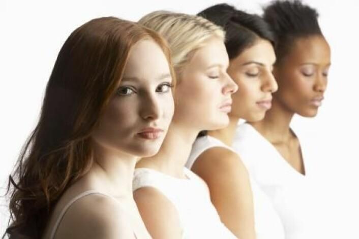 Siden mennesket forlot Afrika, har hudfargen tilpasset seg de nye vilkårene under en mindre kraftig sol. Det betyr at europeere i dag er lyse i huden. Men overgangen fra mørk til lys fant sted mye senere enn man skulle tro. (Foto: Colourbox)