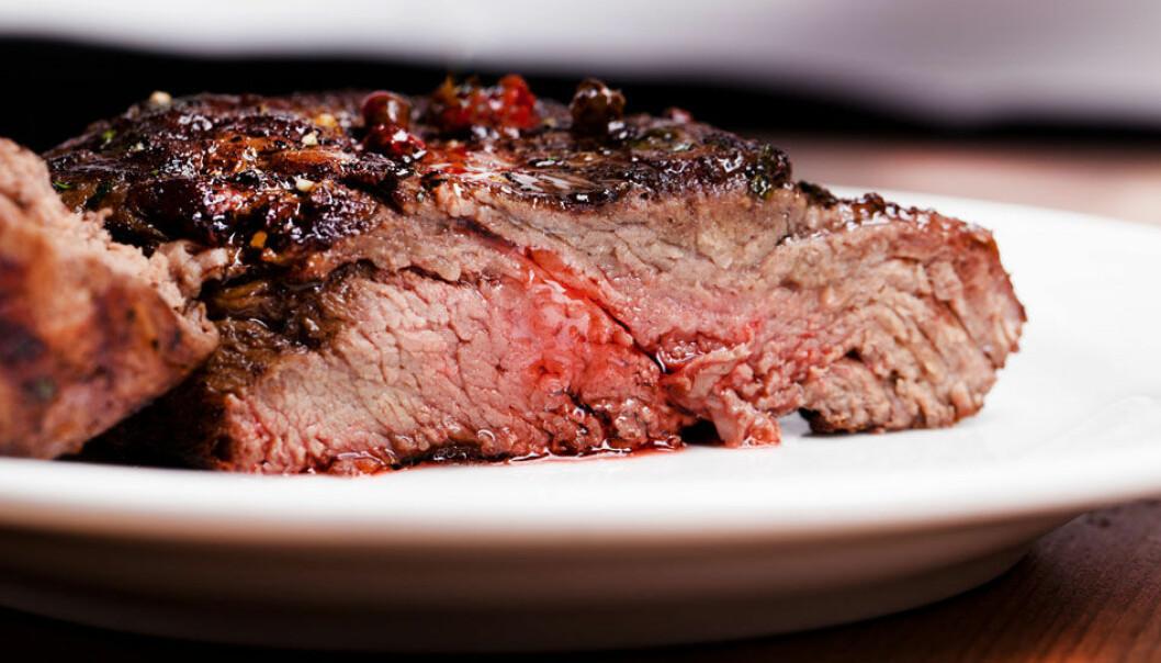 De siste årene har kjøttforbruket skutt i været. Tall fra Helsedirektoratet viser at nordmenn i 2012 spiste 75 kilo per innbygger, og det meste av det rødt kjøtt. Microstock