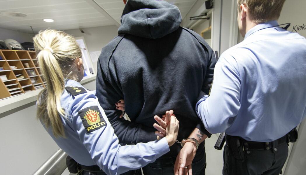 Ungdomsstraff skal gi unge lovbrytere oppfølging og hjelp, men en ny rapport viser at 30 prosent av som ble idømt slik straff, ble dømt for nye lovbrudd. (Illustrasjonsfoto: Gorm Kallestad, NTB scanpix)