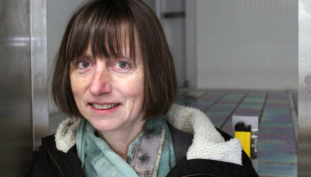 Kreftregisterets direktør Giske Ursin på Janusbankens kjølelager. (Foto: Kreftregisteret)