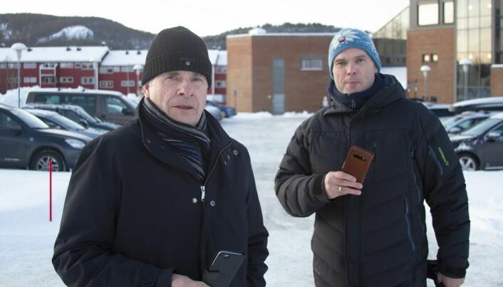 Professor Finn Jørgensen (til venstre) og førsteamanuensis Thor-Erik Sandberg Hanssen har sett nærmere på bruk av blant annet mobiltelefon i bil.