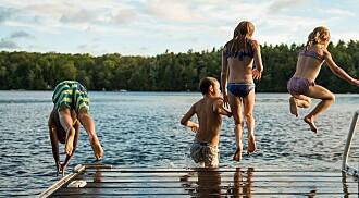 – Barna må øve på å svømme utendørs