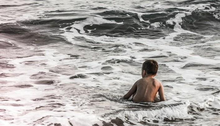 Det kan være hustrig å lære å svømme utendørs. Men antakelig må det til.