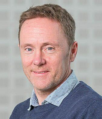 Kjetil Tørseth ved NILU var med på den første INMS-konferansen i 2000. Han sier til forskning.no at karbon- og nitrogenforurensning henger tett sammen.