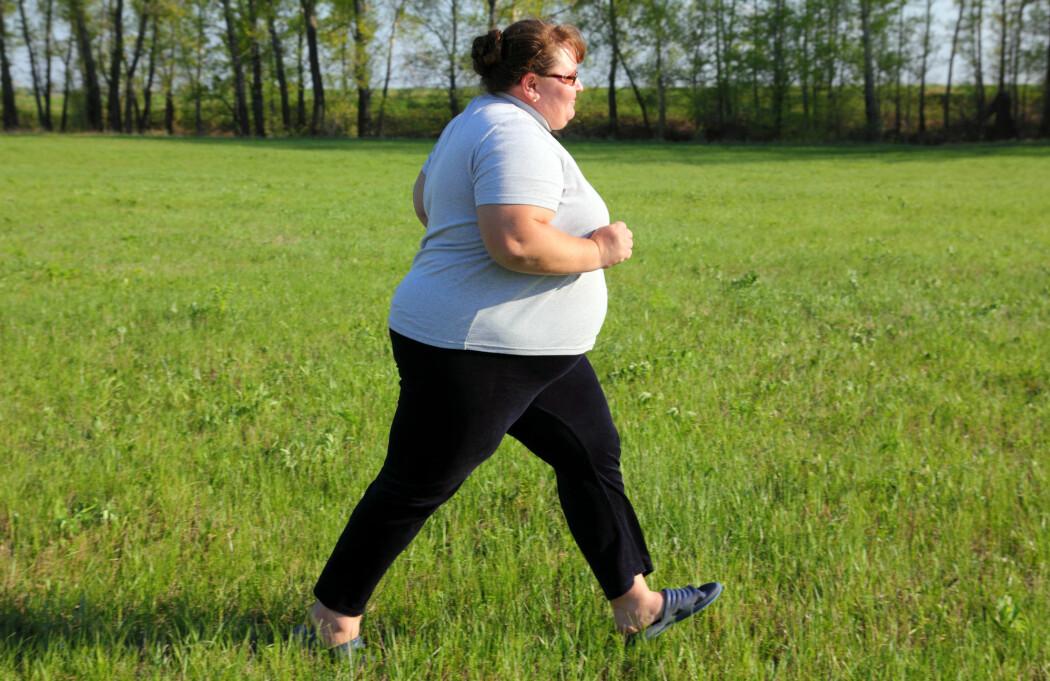 Flere amerikanere meldte i en undersøkelse at de hadde forsøkt å gå ned i vekt ved å spise mindre, trene mer eller drikke mer vann.