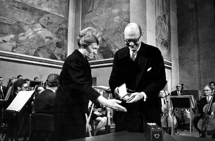In 1969, the ILO received the Nobel Peace Prize for its efforts in building a body of international legislation based on basic human rights. Åse Lionæs, chairperson of the Nobel Committee, presents the prize to ILO's director-general David A. Morse.