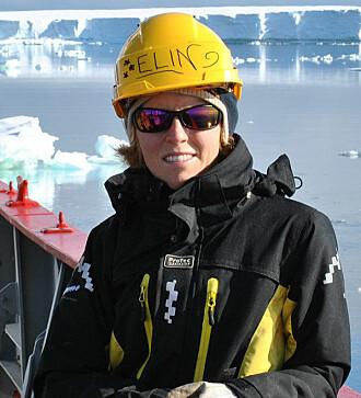 Elin Darelius har vært i Antarktis flere ganger, her fra et tokt i Weddellhavet i 2017.