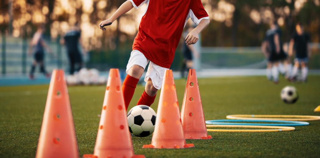 Skadeforebyggende øvelser kan legges inn i all oppvarming til trening. Utøverne blir både varme og de reduserer risikoen for å skade seg.