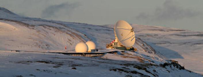 Statens kartverks geodetiske jordobservatorium i Ny-Ålesund på Svalbard. Foto: Bjørn-Owe Holmberg