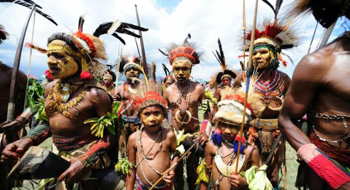 Urfolk fra Papua Ny-Guinea viser frem, tradisjonelle drakter og hodepryder under Goroka Tribal Festival i 2011. (Foto: iStockphoto)