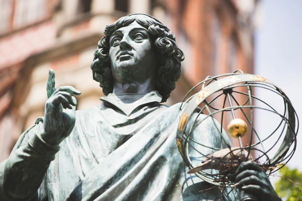 Nikolaus Kopernikus la i 1507 fram sitt verdensbilde, der jorda gikk i bane rundt sola – og ikke omvendt.