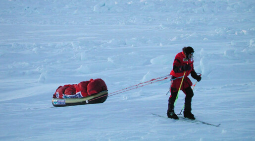 Børge Ousland på polekspedisjon hentes ut med forskningsskip