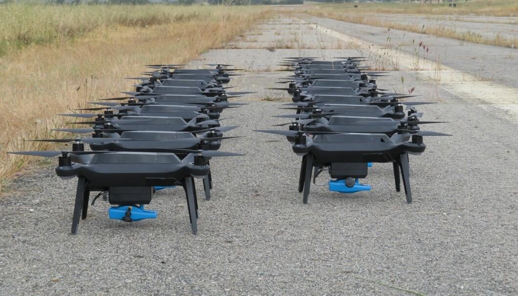 Stadig flere forsvarsoppgaver skal løses med autonome og ubemannede enheter som for eksempel flygende droner som finner veien selv.