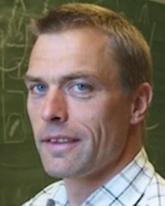 Det å betale andre land for å gjøre klimakutt er avlat og utsetter en omstilling hos oss, mener Tore Furevik, direktør ved Bjerknessenteret for klimaforskning.