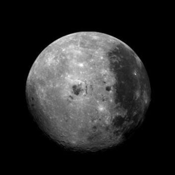 Månen er igjen i ferd med å bli et populært forskningsobjekt. (Foto: JPL)