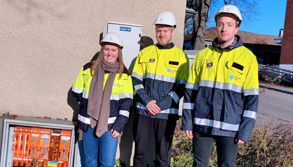 Masterstudentene Vilde Sundling, Simen Torvund Sørlie og Odin Dahle Sjåstad får jobbe med et reelt forskningsprosjekt med mål om å redusere brann i kabelskap.