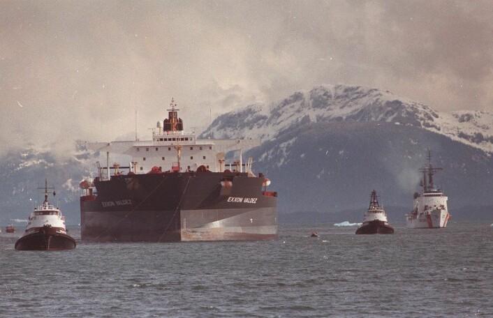 For 25 år siden grunnet Exxon Valdez utenfor Alaska. (Foto: AL GRILLO/Associated Press/Scanpix)