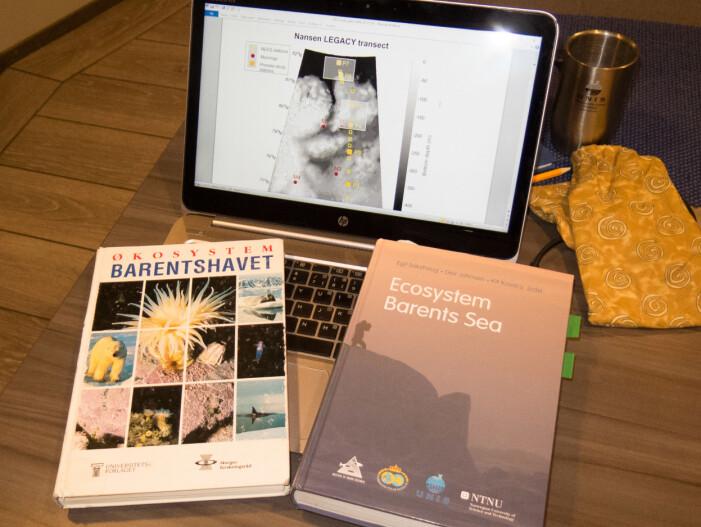 På skuldrene til giganter. Lærebøkene som ble resultatet av Pro Mare-prosjektet og arbeidet som fulgte. Tatt med ombord for refleksjon og inspirasjon for forskerne.