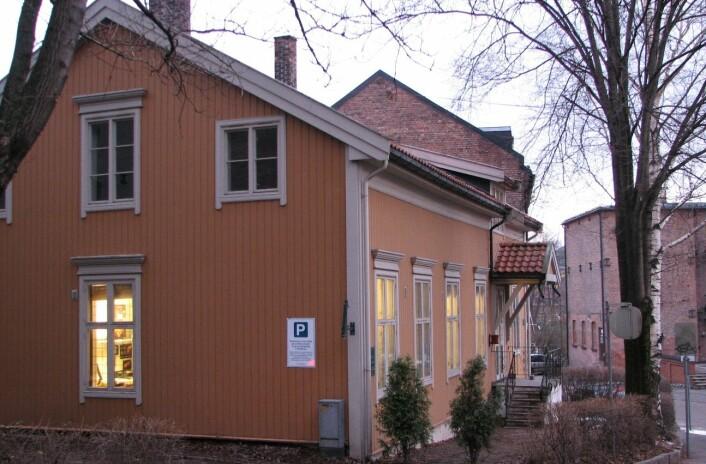 I dette lille, gule huset ved Akerselva holdt forskning.no til de første fem årene. Så ble det for lite.