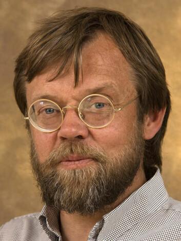Insektforsker Bjørn Økland. (Foto: Lars Sandved Dalen, Skog og landskap) (Foto: Lars Sandved Dalen/Skog og landskap)