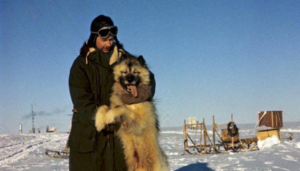 Biggen var ikke som de andre hundene. Han likte helst å være med mennesker heller enn med de andre firbente.