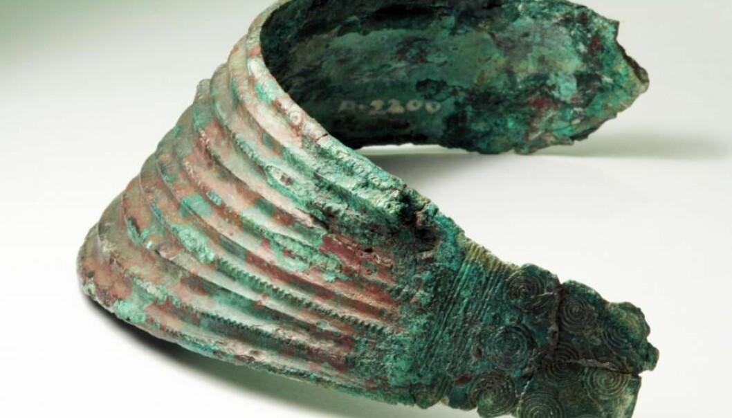 Dansk bronsealder-kvinne hadde smykker fra Italia og Egypt med seg i graven