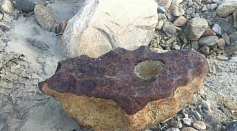 Danske fant denne 31,5 kilo tunge steinen på Grønland. Er det en sjelden meteoritt?