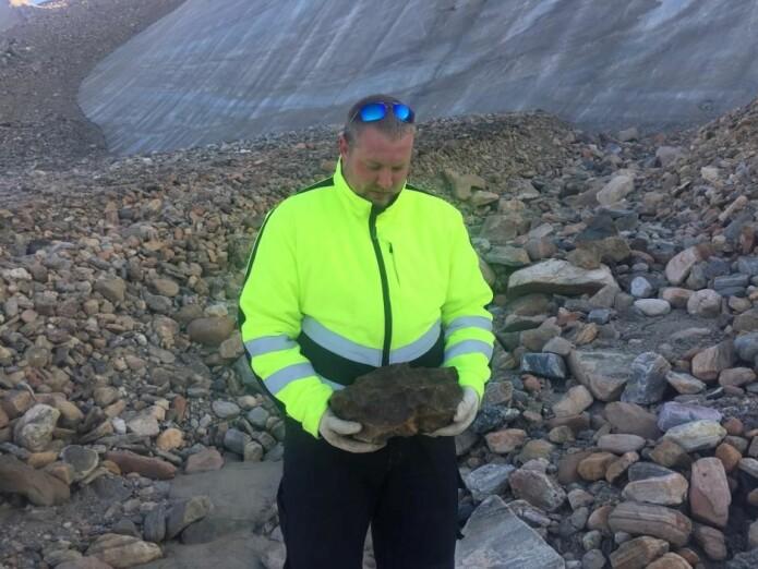 Når man ser på området like ved Thule der Casper Nielsen fant det som kanskje er en meteoritt, forstår man at det har vært som å lete etter en nål i en høystakk.