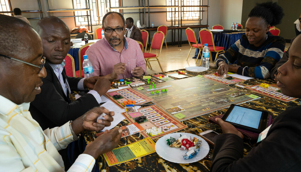 Africans who live next to an internationally known wildlife area been questioned by more than a few researchers. That can lead to questionnaire fatigue. But what if you get to express your thoughts by playing an engaging board game?