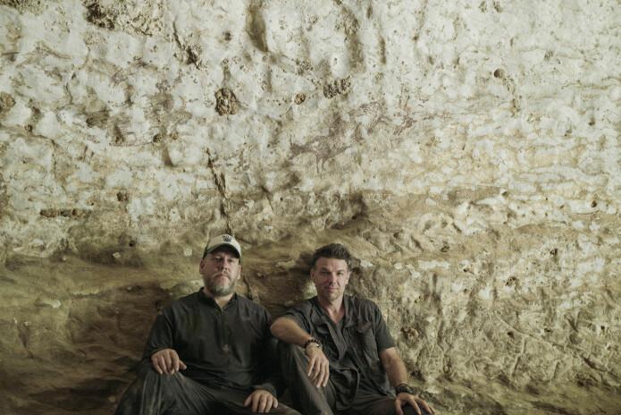 Maxime Aubert og Adam Brumm er begge medlemmer av forskningsteamet bak studien. De to har tidligere vært med på flere funn i Indonesia.