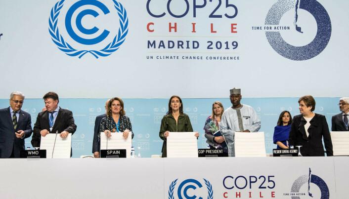 Petteri Taalas (L), Teresa Ribera, Carolina Schmidt, Tijjani Muhammad-Bande and Patricia Espinosa (R) during the 8th day UN Climate Change Conference COP 25 Chile-Madrid on Dec. 10.