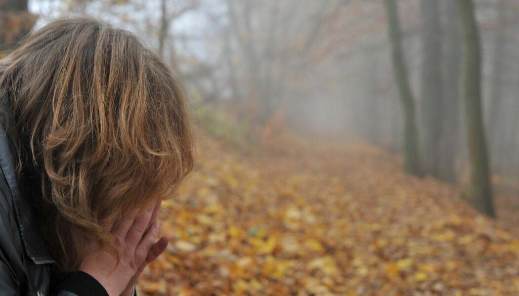 Forskeren bak den nye studien sier det er vanskelig å vite hvorfor det er flest jenter som får angstdiagnoser, men at det kan være lettere for jenter å søke hjelp.
