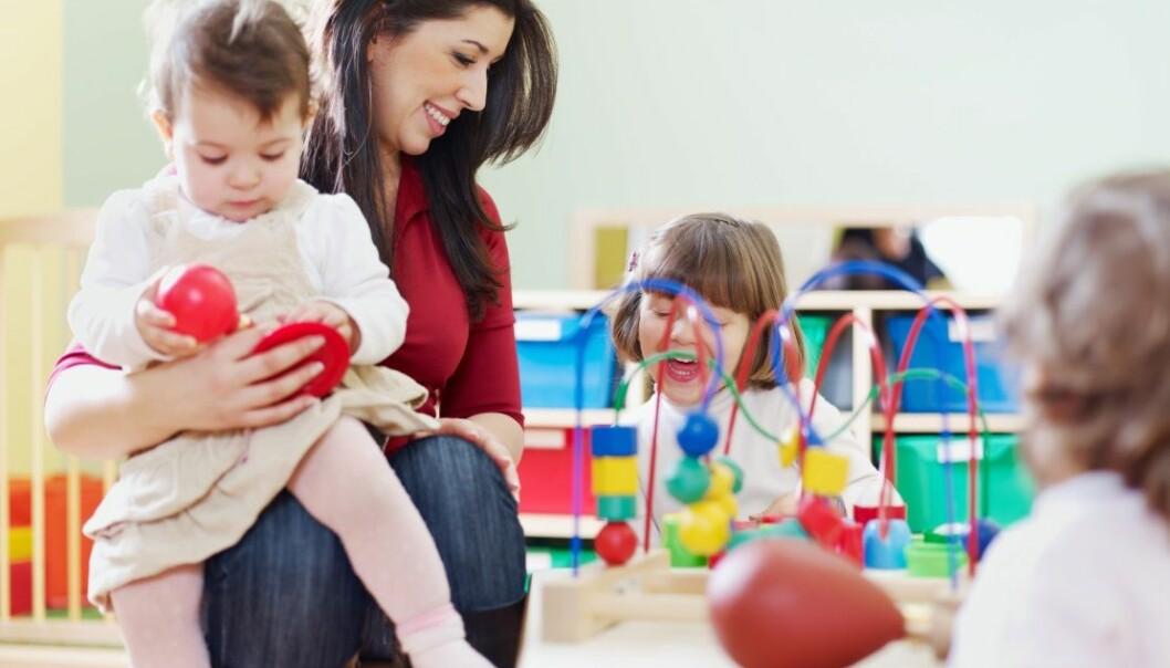 Et godt språkmiljø i barnehagen er avhengig av at alle får være med i samtalen. (Foto: Microstock)