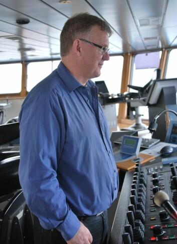 Fra brua har kaptein Preben Vindenes full oversikt over skipet. (Foto: Hanne Østli Jakobsen)