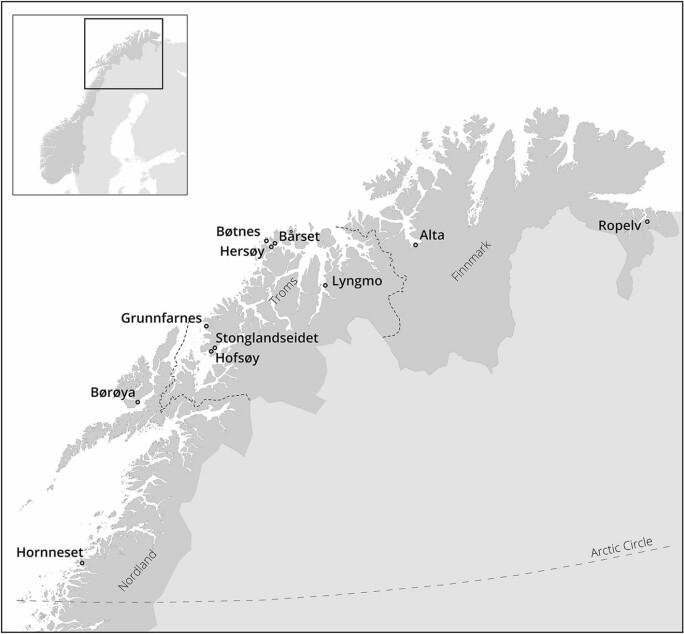 Kartet viser hvor en del av museets båtdeler er funnet langs kysten eller i kystnære strøk i Nord-Norge.