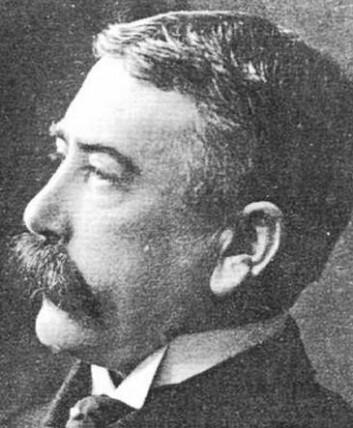 Ferdinand de Saussure (1857–1913) fant opp strukturalismen da han undersøkte hvordan språket vårt fungerer. Etter hans død begynte andre forskere å bruke tankene innenfor historie, sosiologi, antropologi, filmvitenskap og kunsthistorie. (Foto: Wikimedia Commons)