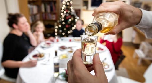Føler du deg bedre i magen med en akevitt til julematen?