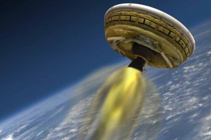 Ikke la deg lure: Dette er ikke en UFO fra en annen planet. Dette er et fartøy NASA har laget der formålet er å lande utstyr trygt på Mars. (Foto: NASA)