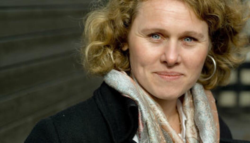 """""""- Altertavler gjengir ikke vanlige klesdrakter riktig, sier Marianne Vedeler."""""""