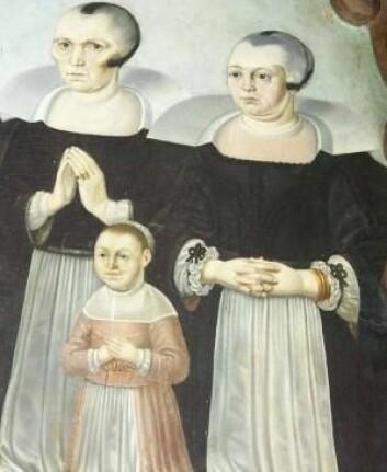 Mennesker som er operert i ansiktet; malerier hvor personene er malt litt grotesk. Begge deler er eksempler på at det som ligner noe menneskelig – men ikke helt er det – kan være uhyggelig. (Foto: Maleri fra 1600-tallet)
