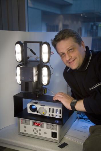 """""""Professor Alsberg ble inspirert av amerikansk krim. (Foto Thor Nilsen/NTNU Info)"""""""