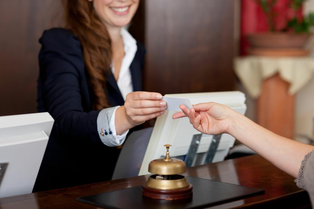 Kvinner, lavt utdannede og turnusarbeidere er mer utsatt for å ha jobber med høy belastning og liten grad av selvbestemmelse i jobben.