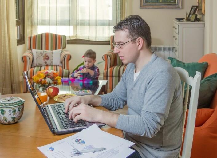 Konflikt jobb/familie: Høye nivåer av tvangsmessig lidenskap henger gjerne sammen med utbrenthet, jobbstress, konflikter mellom jobb og familie. (Foto: Microstock)