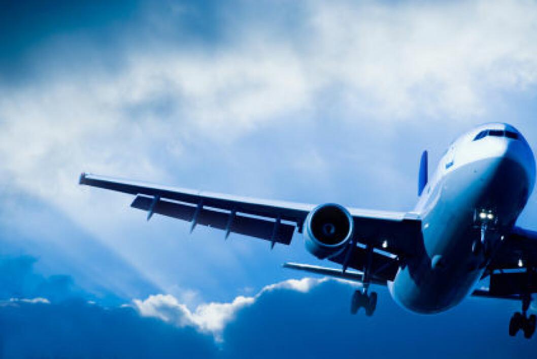 Effekten av utslipp fra fly kan være både oppvarmende og nedkjølende, de har varierende levetid i atmosfæren, og effektene kan være både regionale og lokale. (Foto: iStockphoto)