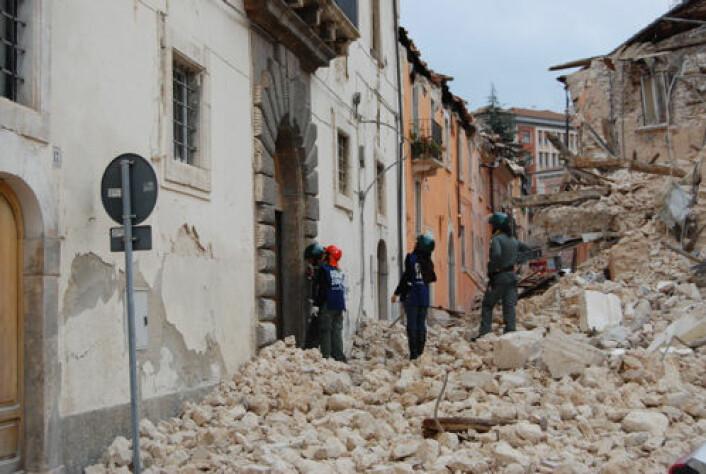 Jordskjelvet gjorde store skader på L'Aquila i 2009. (Foto: enpasedecentrale/Wikkimedia Commons)