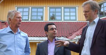 """""""Et nytt og spennende samarbeid. Kjell Johannessen (t.v.) er prosjektleder i NODE-nettverket og en pådriver for foresight-prosjektet. William Fagerheim, rådgivningsfirmaet Mind the Gap, har tilrettelagt arbeidsmøtene og Jan Dietz (til høyre), Forskningsrådet, har vært en støttespiller i prosessen."""""""